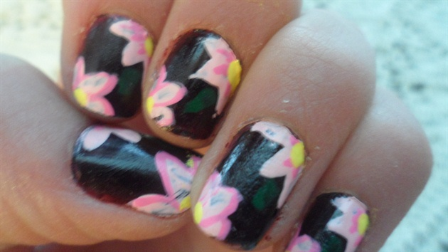 Black and Pink Flowwers
