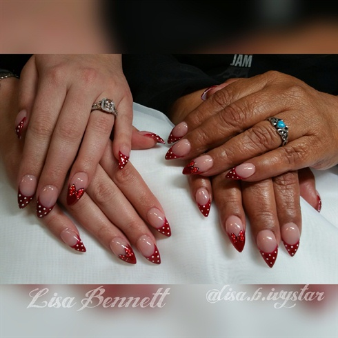 Mother-Daughter match-mani