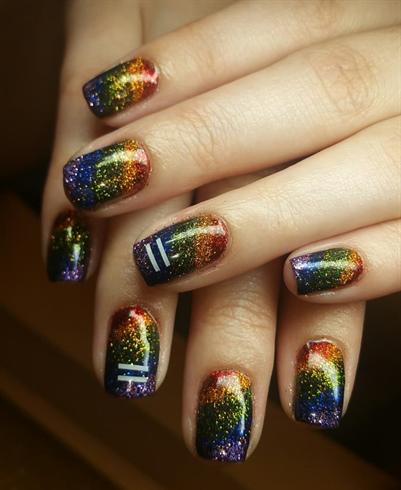 Pride glitter press