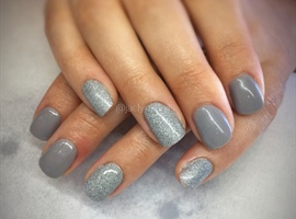 nail art: Slick Pour Powder Nails