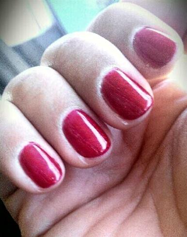 red glitter gelish