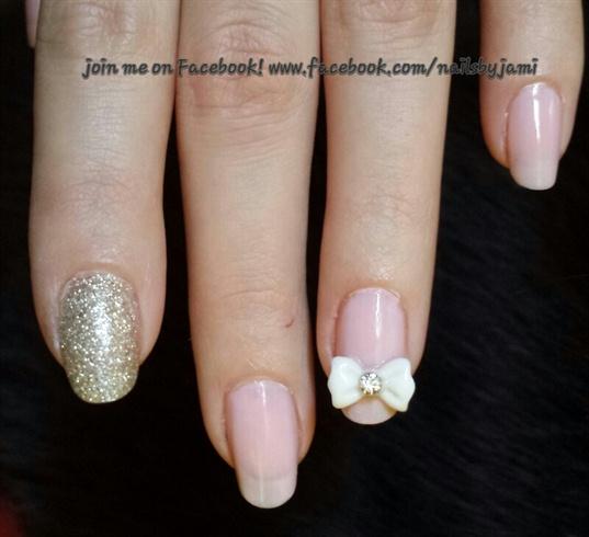 Natural nails with bows