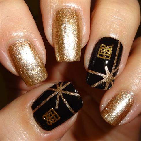 Present Nail Decals