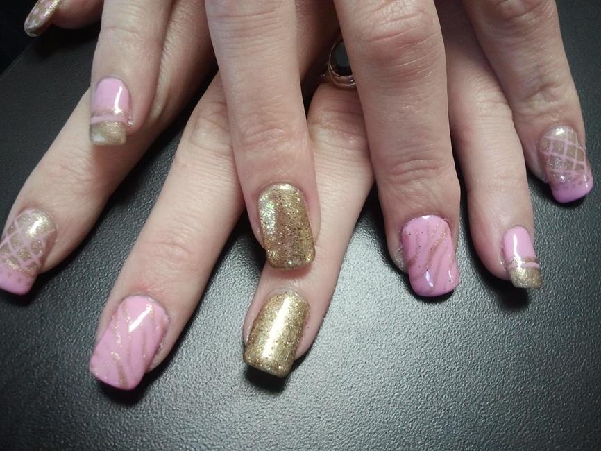 Baby Pink And Gold Nail Art Nail Art Gallery