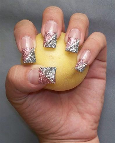 Femenine and formal nails