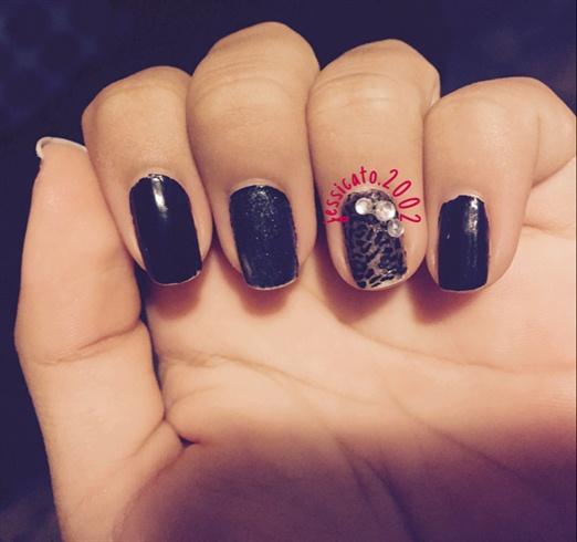 Black Rose Outline Nails