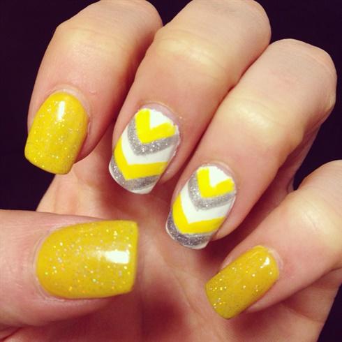Yellow Spring Nails