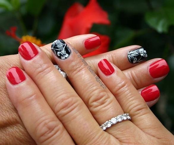Red & Black Floral Manicure