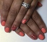Coral Watermarble Gel Manicure