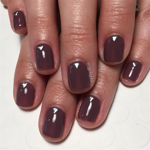 Simple Smokey Plum Gel Manicure