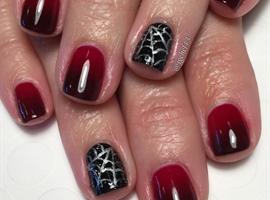 Spiderwebs & Ombré Vampy Gel Manicure