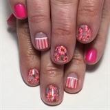 Pink Daisies Gel Manicure