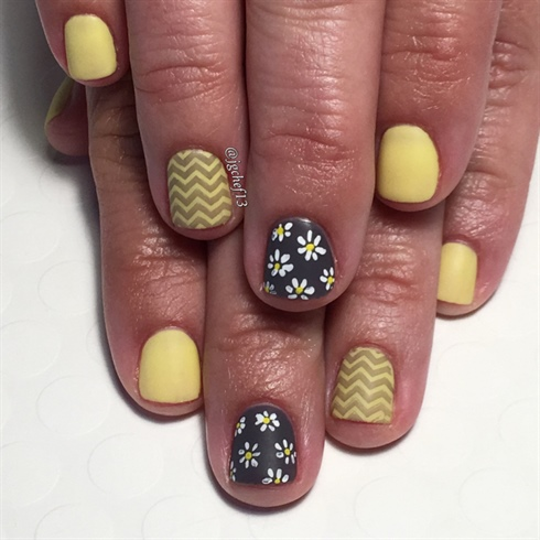 Happy Daisies & Chevron Gel Manicure