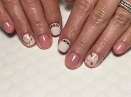 Nude Marbled Manicure