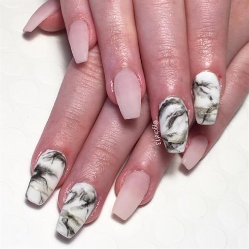Matte Marbled Manicure