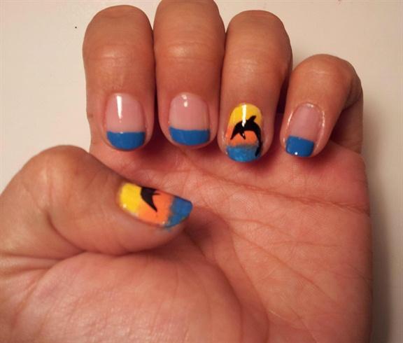 Дизайн ногтей с дельфином фото 99