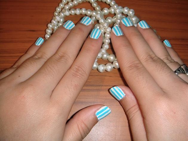 Stripes White and Turqoise.