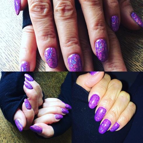 Sparky Glitter Gel Mani ❤️