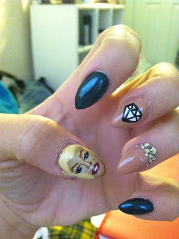 Monroe Nails