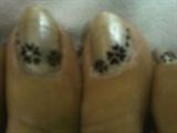 silver n blak  toe nail design