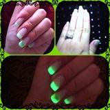 Glow Nails!