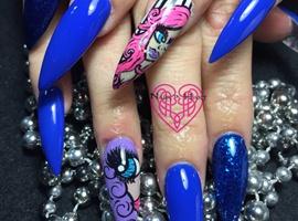 Graphic Art Nails
