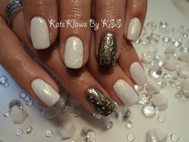 Mirror Chrome n White Nails