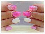 ManiQ glitter nails