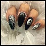 Black Nails Silver Nailart