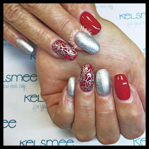 ManiQ ReD Nails