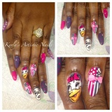 Daisy Duck Nail Art