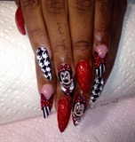 Minnie Mouse Nails Design