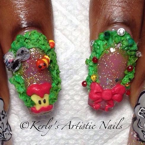 Christmas Wreath Inspired Nail Art