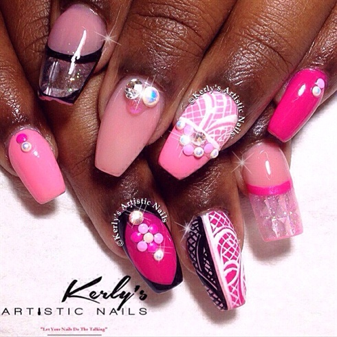 Hello Lady! Pretty in pink nails