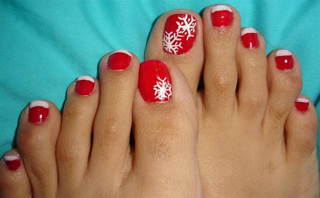 X-mas Toe Nails