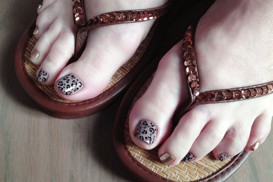 Fall color leopard pedi art - Nail Art Gallery