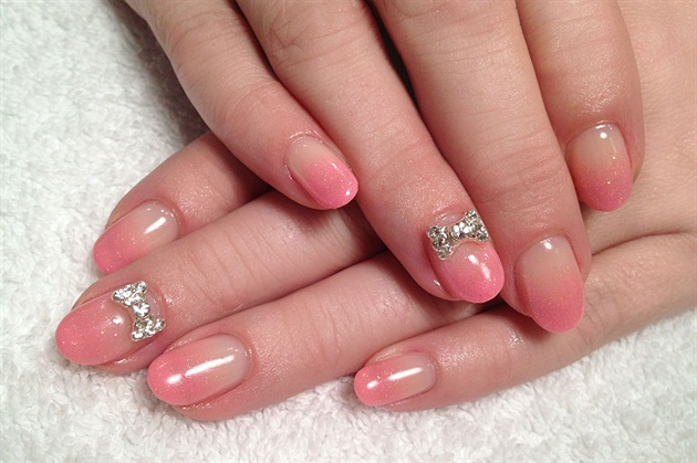 Pink glitter ombre + 3D bows - Nail Art Gallery