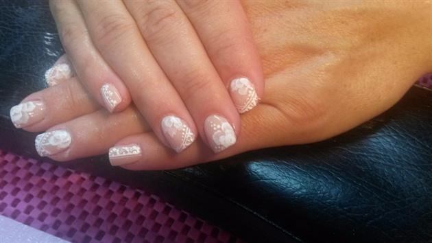 Perfect wedding nail