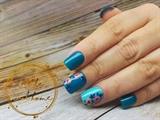 Gel nails with gel design