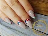 flowers on gel nails