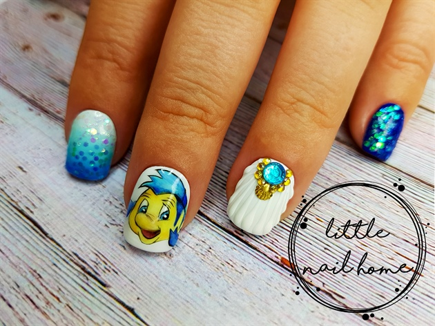 Hand painted gel nail art