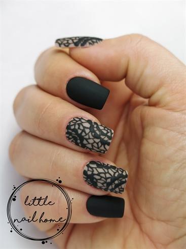 Black matte lace nails