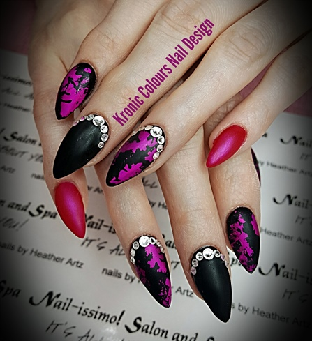 Kronic Colours Nail Design