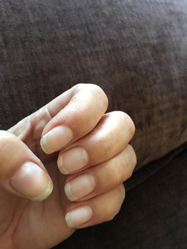 Bare naked nails