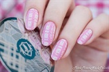 Beautiful scarf pattern nails design
