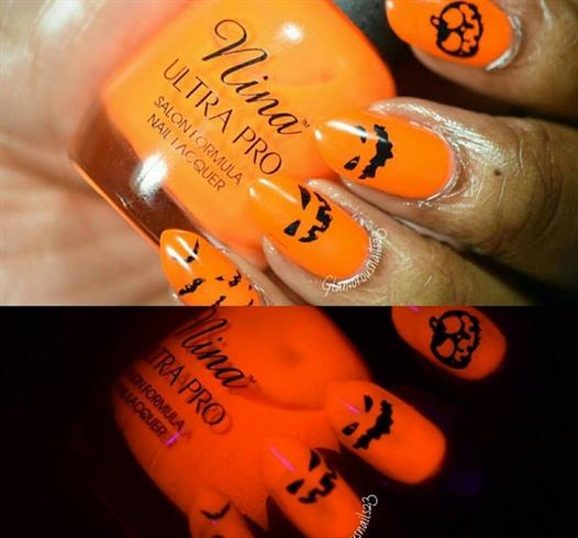 Halloween Nails- http://bit.ly/1MuZl4K