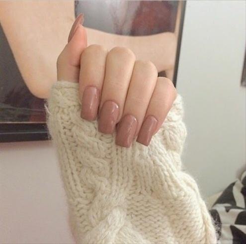 Cute brown nails