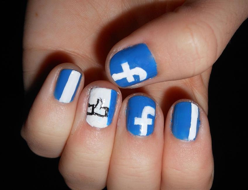 Facebook Nails - Nail Art Gallery