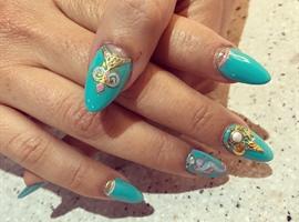 Beautiful Vacation Nails