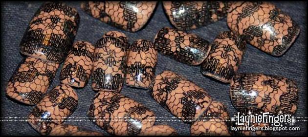 Black Lace Nails 3